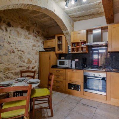 Kitchen & Dining (2)